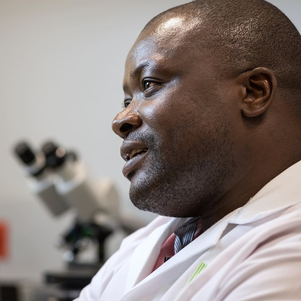 Amos Alakonya, head of CIMMYT's Seed Health unit. (Photo: Eleusis Llanderal/CIMMYT)