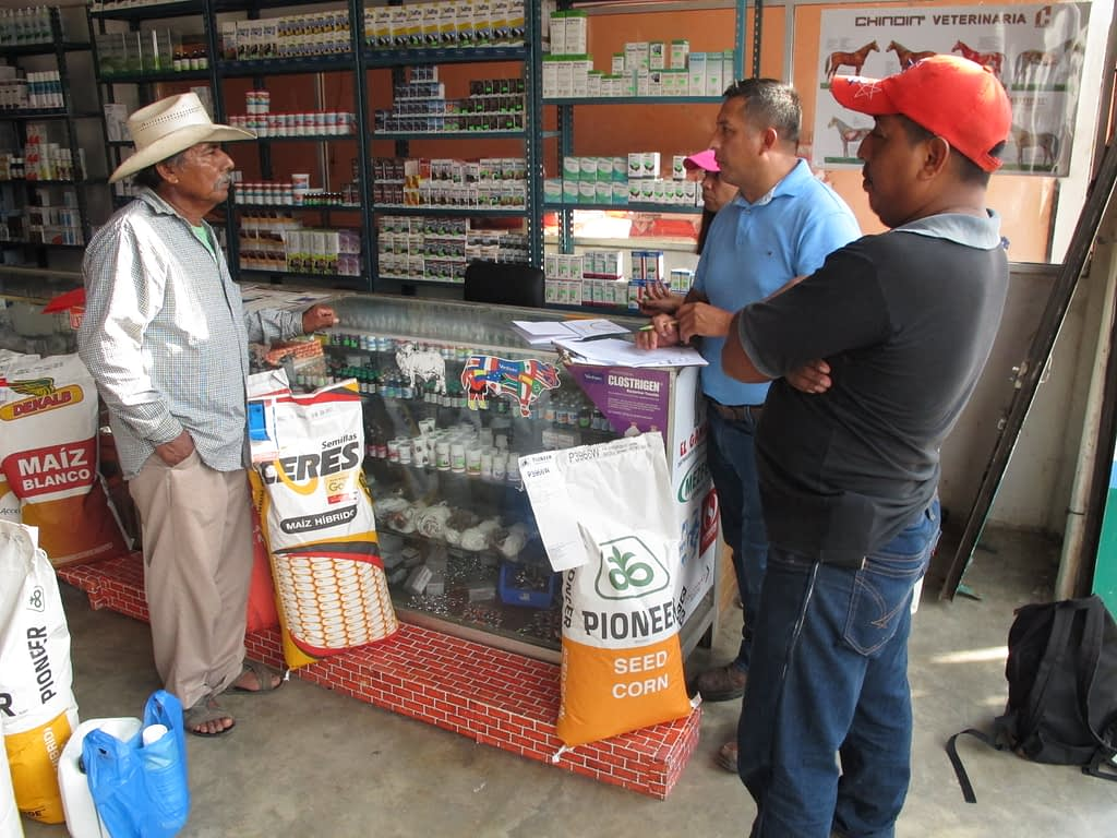 An agro-dealer shop in La Concordia, in Mexico's state of Chiapas, offers different varieties of maize alongside veterinary supplies. (Photo: Ciro Domínguez)