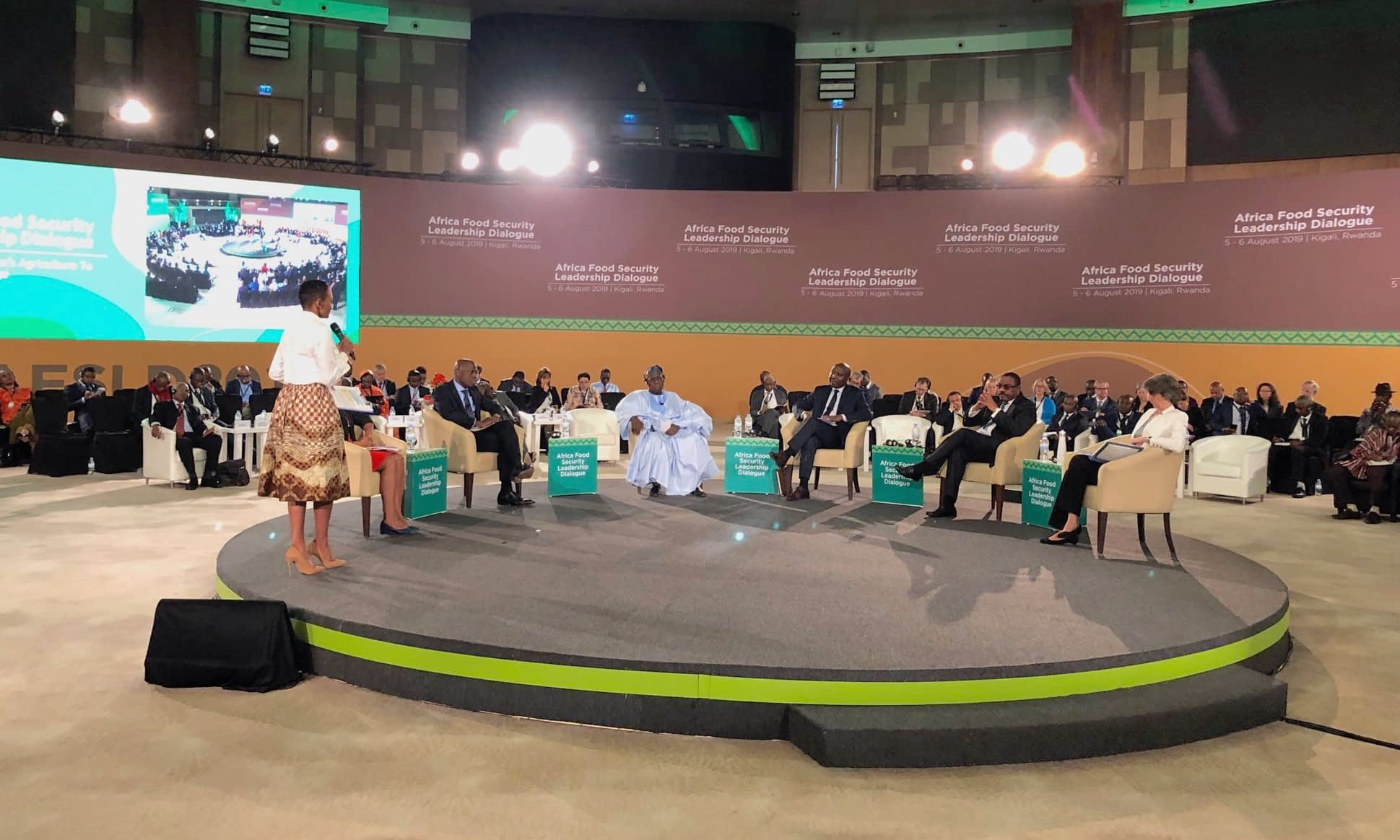 The Prime Minister of Rwanda, Édouard Ngirente, and other leaders discussed regional and national priorities at the Africa Food Security Leadership Dialogue. (Photo: Martin Kropff/CIMMYT)