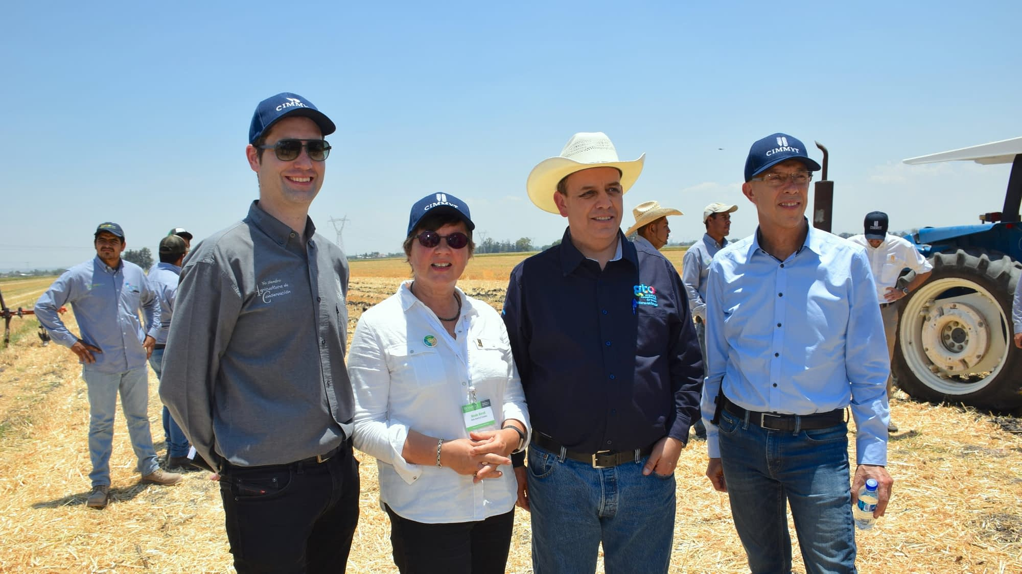 Bram Govaerts (left), Nicole Birrell (second from left) and Martin Kropff (right) stand for a group photo with José Francisco Gutiérrez Michel (second from right), Secretary of Agri-Food and Rural Development of Mexico's Guanajuato state.