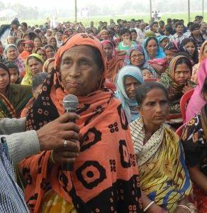 A female farmer telling her story. Photo: CIMMYT.