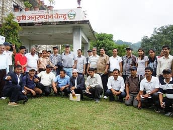 Travelling Seminar participants visit the NARC Agricultural Research Station, Dailekh. Photo courtesy of Everest Media Pvt. Ltd