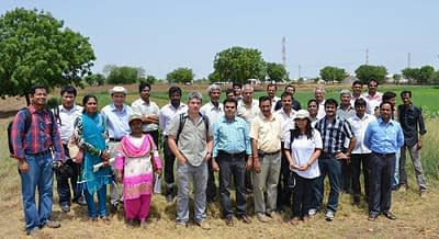Photo-with-farmer-group