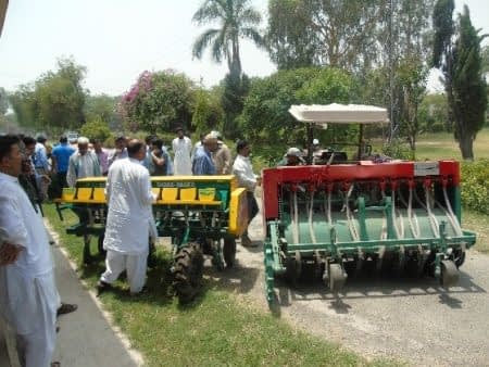 Locally manufactures direct-seeded rice planter and zero-till Happy Seeder. Photo: Abdul Khaliq