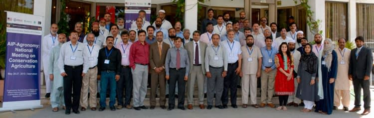 Participants in the AIP-Agronomy national meeting on conservation agriculture. Photo: Amina Nasim Khan