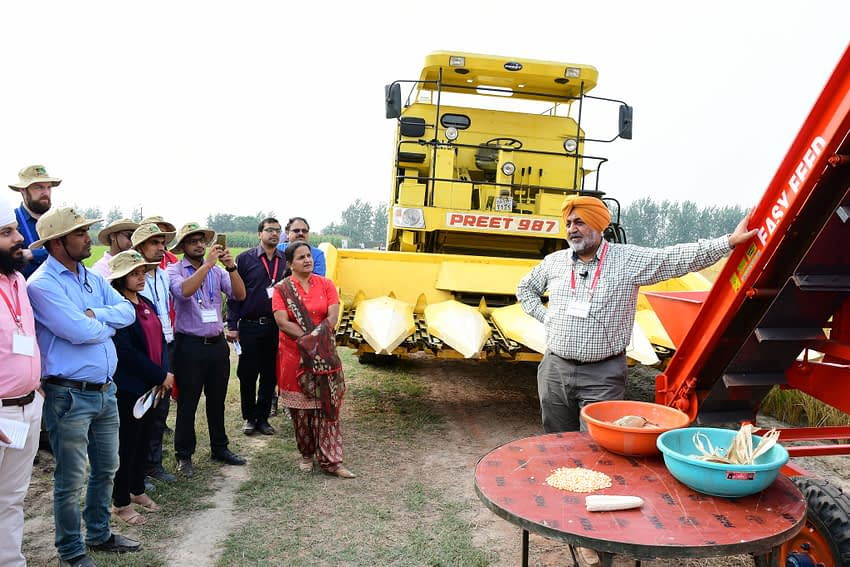 Field visit in Ludhiana, India, during the 13th Asian Maize Conference. (Photo: Manjit Singh/Punjab Agricultural University)