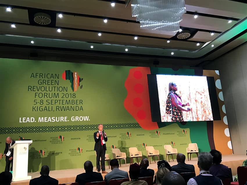 """The director general of CIMMYT, Martin Kropff, was the keynote speaker of the AGRF 2018 round-table discussion """"Quality Means Quantity – Seed Processing Technology and Production Approaches for Agricultural Benefit."""" (Photo: CIMMYT)"""