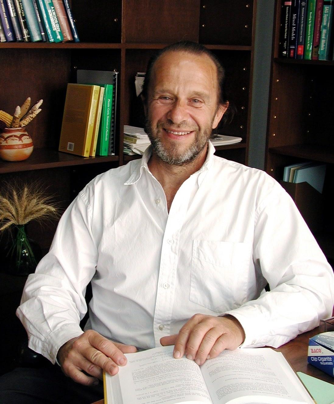 Profile image for Jose Crossa